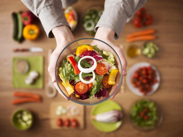 Dieta a haluksy – Czy to co jesz ma wpływ na haluksy?