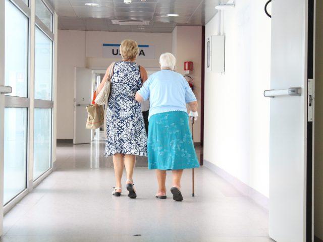 haluksy u osób starszych- badania
